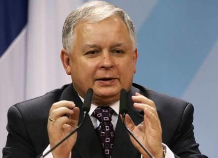 Prezydent Kaczyński zapewnił dziś, że Polska nie odmówi pomocy Ukrainie /AFP