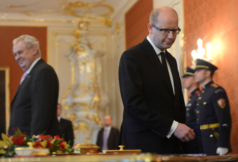 Prezydent Milos Zeman i premier Bohuslav Sobotka /AFP
