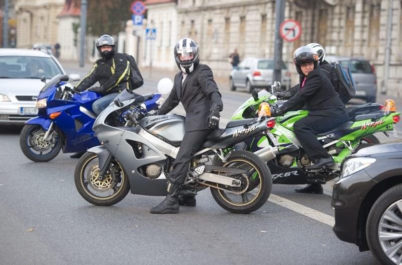 Prezydent podpisał liberalizację przepisów dotyczących motocyklistów /Grzegorz Michałowski /PAP