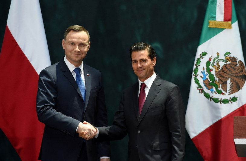 Prezydent RP Andrzej Duda i prezydent Meksyku Enrique Pena Nieto /Radek Pietruszka /PAP