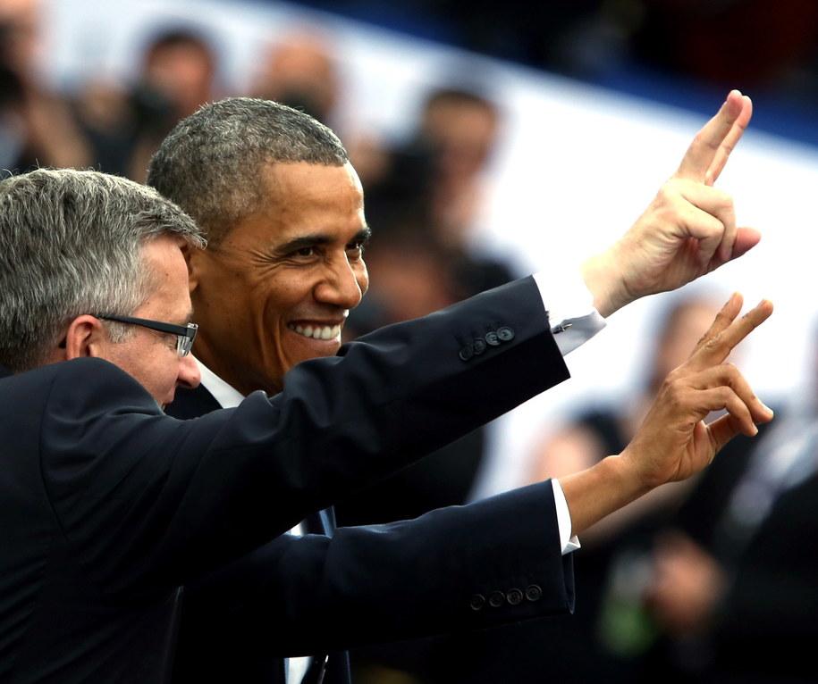 Prezydent RP Bronisław Komorowski (L) i prezydent USA Barack Obama (P) podczas głównych uroczystości z okazji 25-lecia Wolności w 25. rocznicę wyborów parlamentarnych /Tomasz Gzell /PAP