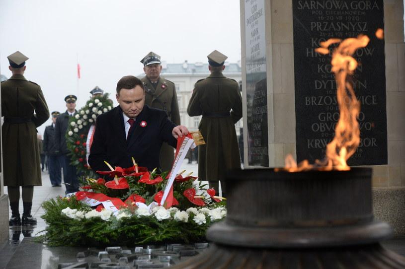 Prezydent składa wieniec /Jacek Turczyk /PAP