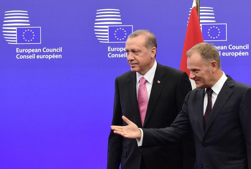 Prezydent Turcji Recep Tayyip Erdogan i przewodniczący Rady Europejskiej Donald Tusk /AFP