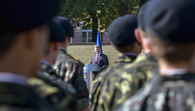 Prezydent Ukrainy Petro Poroszenko podkreślił, że sytuacja w obwodach donieckim i ługańskim sięgnęła granicy, po przekroczeniu której nie będzie odwrotu /AFP