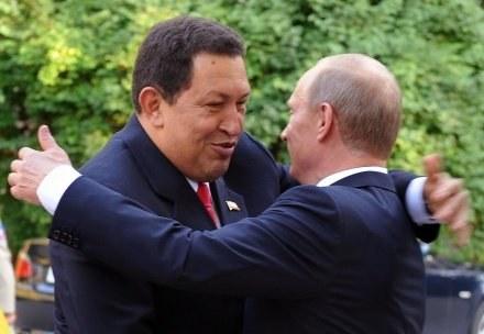 Prezydent Wenezueli Hugo Chavez i premier Rosji Władimir Putin /AFP