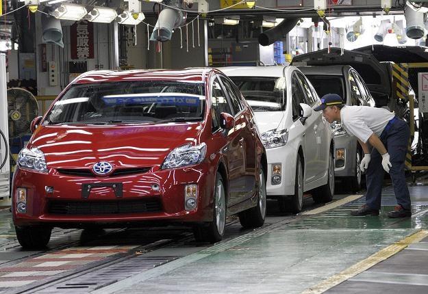 Problem dotyczy Priusów z 2009 roku /AFP