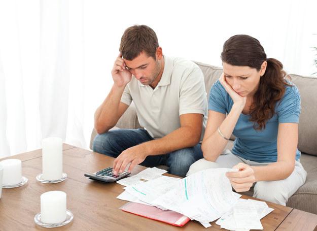Problemy finansowe mogą zaszkodzić twojemu związkowi /123RF/PICSEL