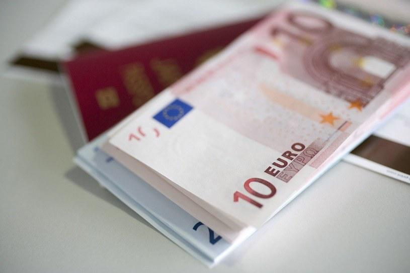 Proboszcz oddał datki od przedsiębiorcy związanego z mafią /©123RF/PICSEL