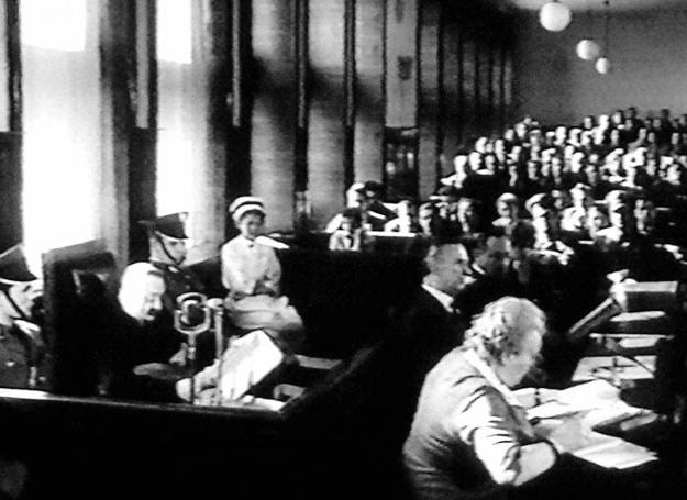 Proces Ericha Kocha przed Sądem Wojewódzkim dla województwa warszawskiego /Kadry z Polskiej Kroniki Filmowej /Archiwum autora