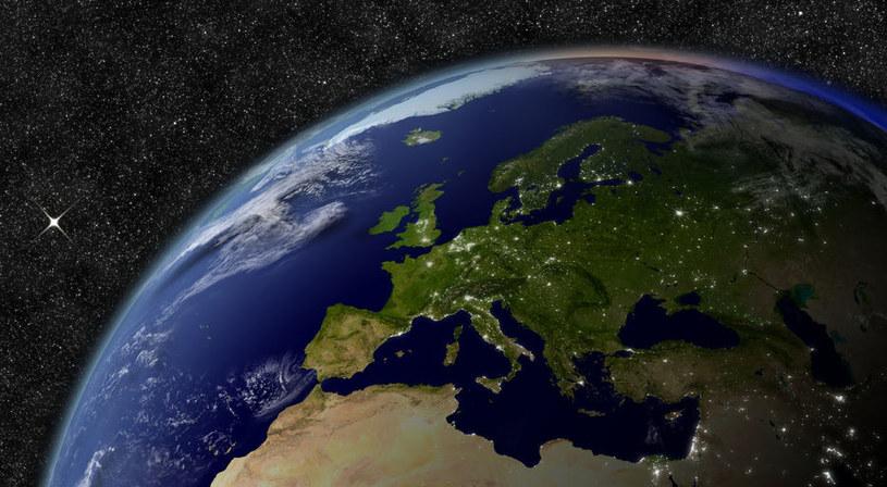 Proces oddzielania się Europy od Azji jest nieunikniony /123RF/PICSEL
