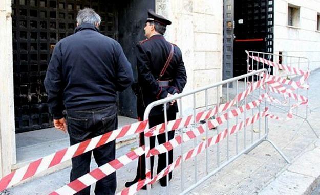 Procesja religijna zatrzymała się przed domem mafijnego bossa. /AFP