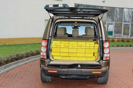 """Producent discovery podaje pojemność bagażnika 1260 l. A jest o 709 l mniej /tygodnik """"Motor"""""""