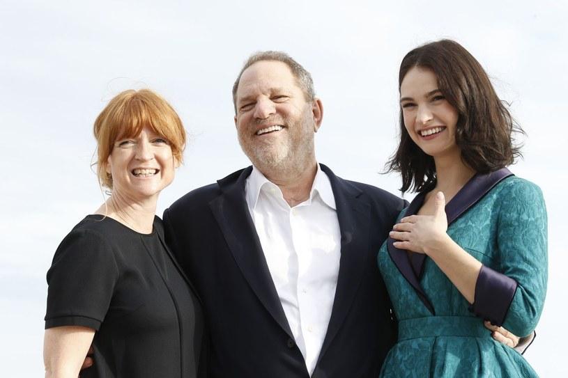 Producentka Faith Penhale, Harvey Weinstein i brytyjska aktorka Lily James /AFP