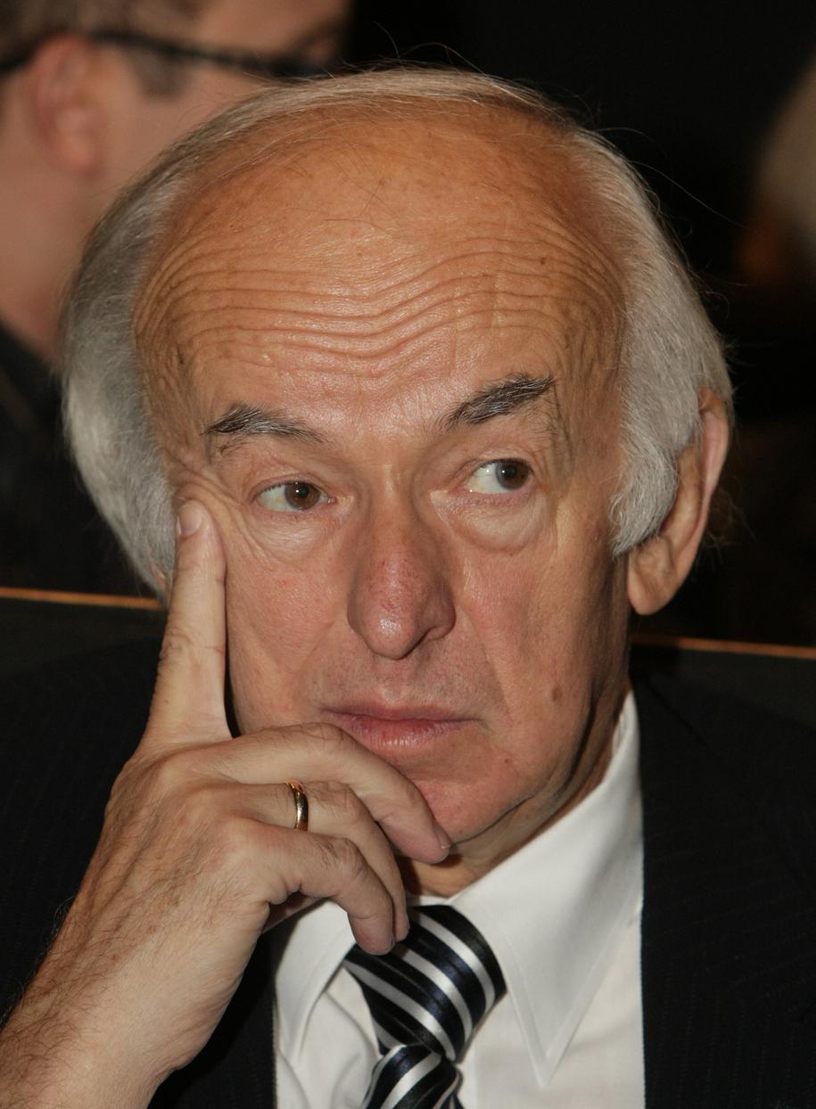 Prof. Józef Kałużny na zdj. z 2008 r. / Grzegorz Michałowski    /PAP