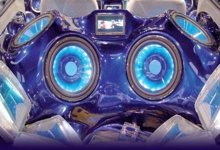 Profesjonalny system audio w samochodzie /PC Format