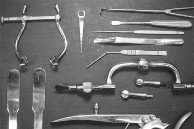 Profesjonalny zestaw narzędzi do lobotomii (Fot. Psychology Wiki) /materiały prasowe