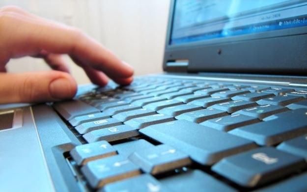 Programujesz? Spróbuj swoich sił w konkursie codearena /123RF/PICSEL