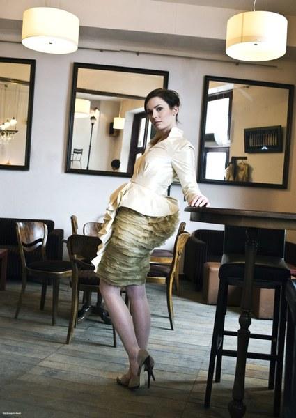 http://www.fashioncode.pl/pl/sukienki-fashioncode/1279-dorota-pietruszka-wyjatkowa-sukienka-.html