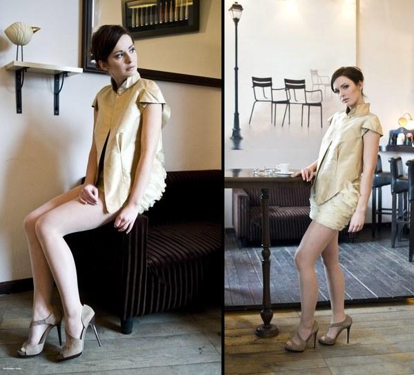 http://www.fashioncode.pl/pl/fashioncode-zakiety-i-garnitury-damskie/1278-dorota-pietruszka-jedwabny-zakiet-.html