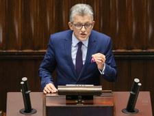 Prokurator Piotrowicz skanduje: Precz z komuną!