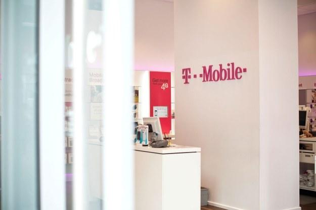 Promocja na smartfony w T-Mobile /AFP
