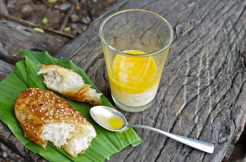 Propozycja na szybkie i odżywcze śniadanie /123RF/PICSEL