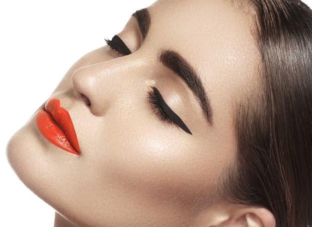 Propozycja wiosennego makijażu /materiały prasowe