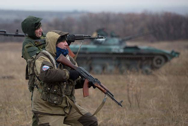 Prorosyjscy separatyści niedaleko Doniecka fot. Menahem Kahana /AFP