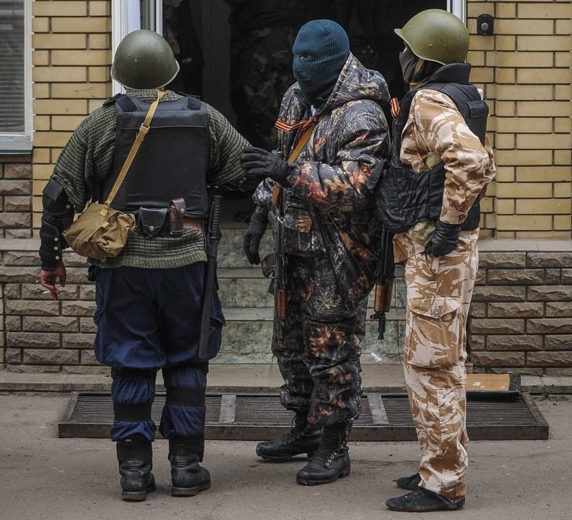 Prorosyjscy uzbrojeni separatyści zajęli powiatowy oddział milicji w Sławiańsku /PAP/EPA