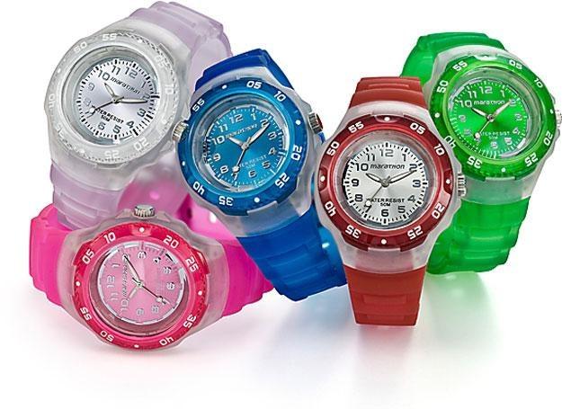 Prosty, kolorowy zegarek ze wskazówkami /INTERIA.PL/materiały prasowe