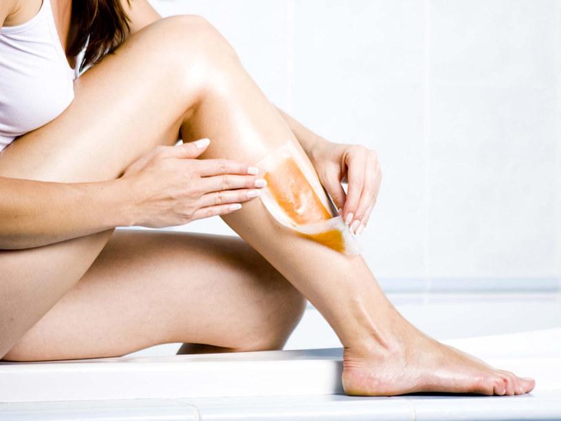 Prostymi sposobami można sprawić, aby depilacja była mniej bolesna  /© Bauer