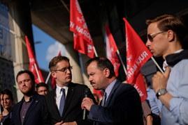 Protest narodowców przed siedzią przedstawicielstwa KE w Warszawie
