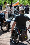 Protest niepełnosprawnych przed Kancelarią Premiera