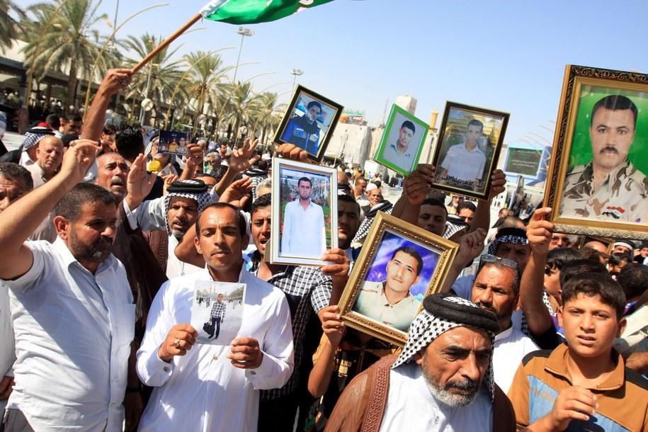 Protest ofiar dżihadystów w Iraku /ALAA AL-SHEMAREE /PAP/EPA