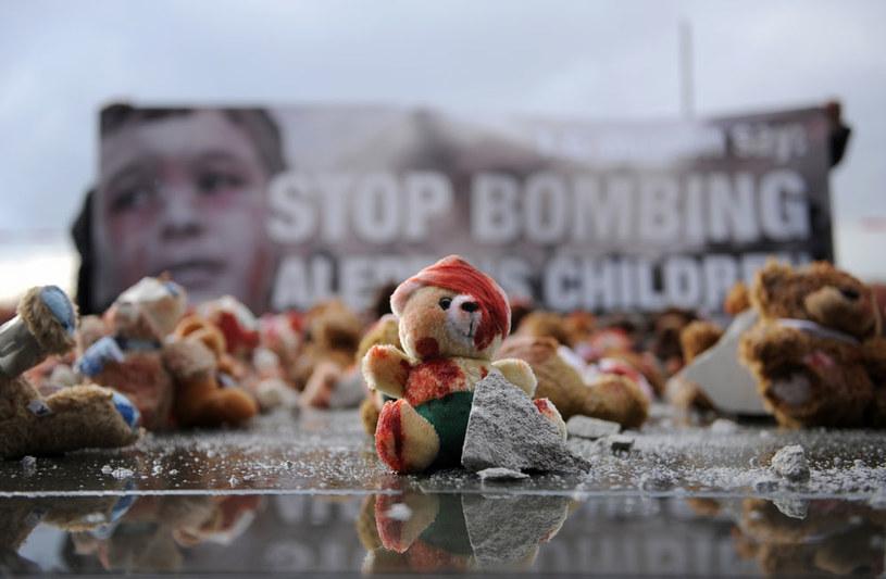 Protest przeciwko bombardowaniu Aleppo /AFP