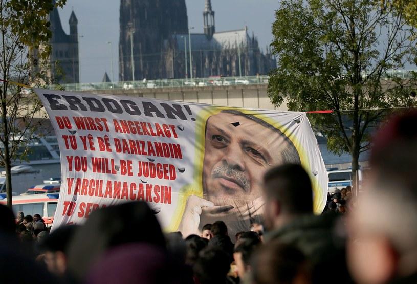 Protest przeciwko prezydentowi Turcji /OLIVER BERG /PAP/EPA