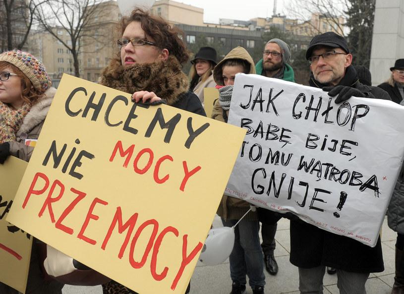 """Protest przeciwko przemocy domowej. """"Marsz pand"""" 2014 /Jan Bielecki /East News"""