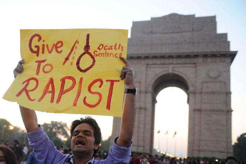 Protest przeciwko przemocy wobec kobiet w New Delhi /AFP