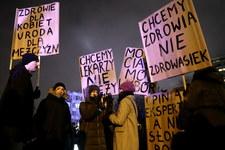Protest przed Sejmem przeciwko odrzuceniu projektu