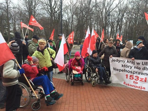 Protest rodziców niepełnosprawnych dzieci /Monika Gosławska /RMF FM