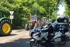 Protest rolników. Na miejscu pojawiły się tajemnicze znaki