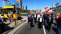 Protest rolników w Warszawie. Domagają się odwołania ministra i zapewnienia zbytu dla ich produktów