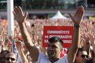 """Protest w Stambule. """"Ani zamachu stanu, ani dyktatury!"""""""