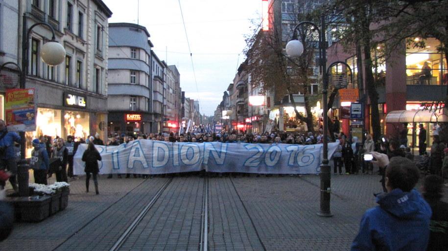 Protestujący kibice /Józef Polewka /RMF FM