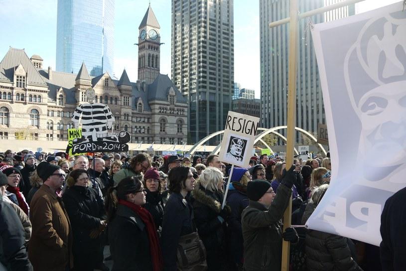 Protesty przeciwko burmistrzowi /AFP