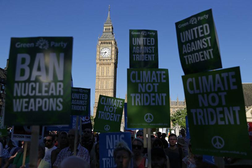 Protesty przeciwko programowi Trident /AFP