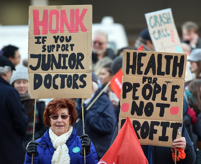 Protesty w Wielkiej Brytanii /AFP