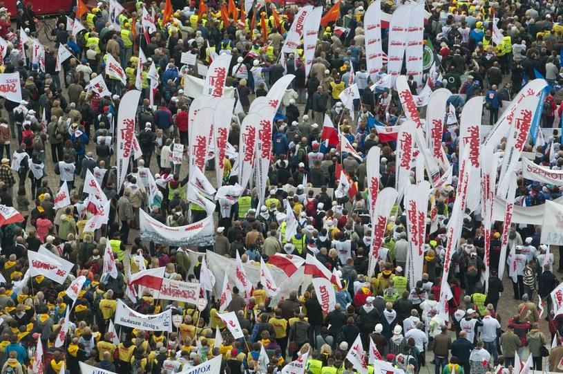 Protesty związkowców w Warszawie /Justyna Rojek /East News