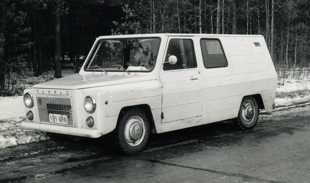 Prototyp samochodu Tarpan. Pojazd ten przy masie własnej 1170 kg miał ładowność 500 kg /Archiwum Tomasza Szczerbickiego