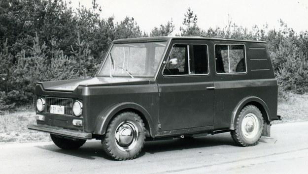 Prototyp samochodu Warta. Pojazd ten przy masie własnej 1250 kg miał ładowność 600 kg. /Archiwum Tomasza Szczerbickiego